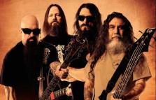 Slayer in concerto, con Carcass e Behemot