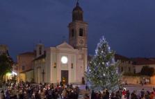 Natale a Loano, si accendono le luci delle feste