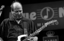 Adrian Belew Power Trio in concerto