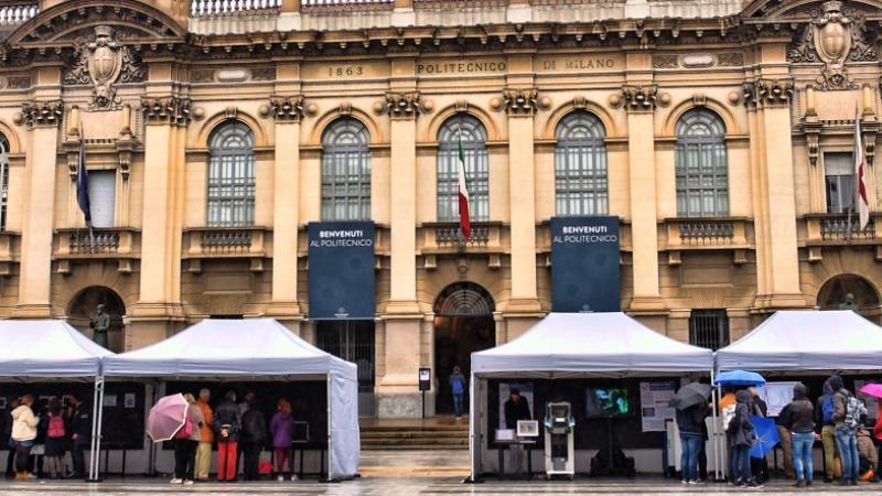 Calendario Politecnico Milano.La Chimica In Piazza Esperimenti E Visite Guidate Polimi
