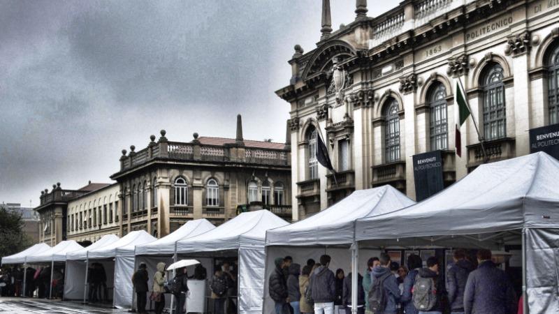 Calendario Politecnico Milano.Ict4all Esperimenti In Piazza E Visite Guidate Ai